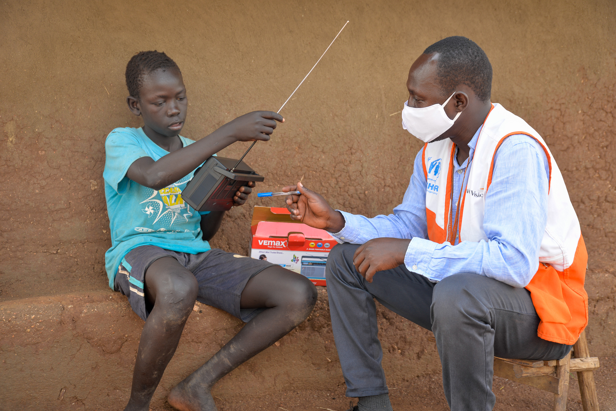 Distributed radios help a 14-year-old to continue learning ...