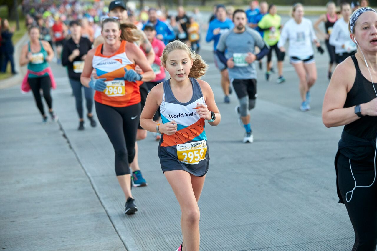 Addyson running a half-marathon (21 kilometres) to raise funds for water in Africa. ©World Vision Photo