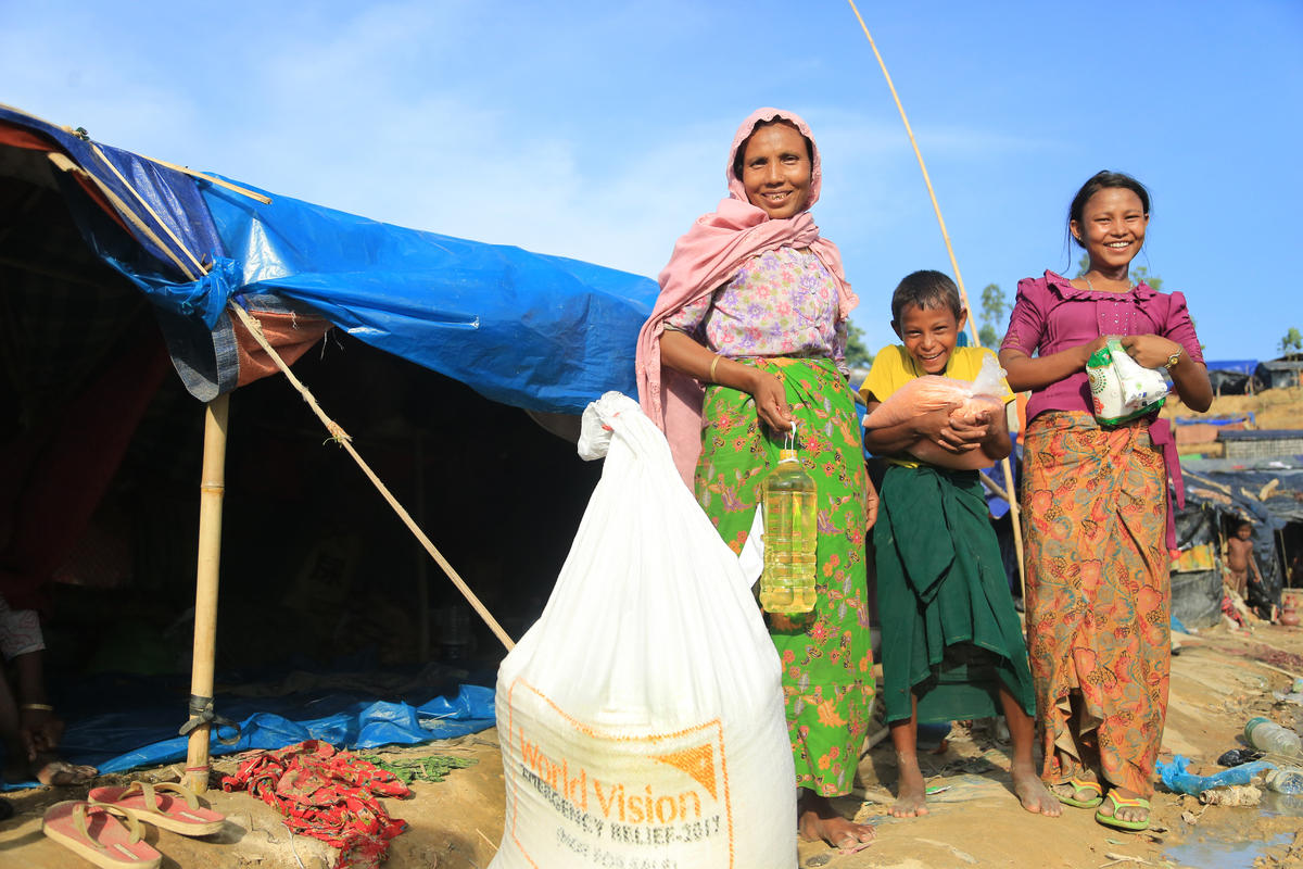 World Vision provided basic food, including  rice, lentils and oil. Shelter materials and blankets brought some comfort to families who had lost everything.