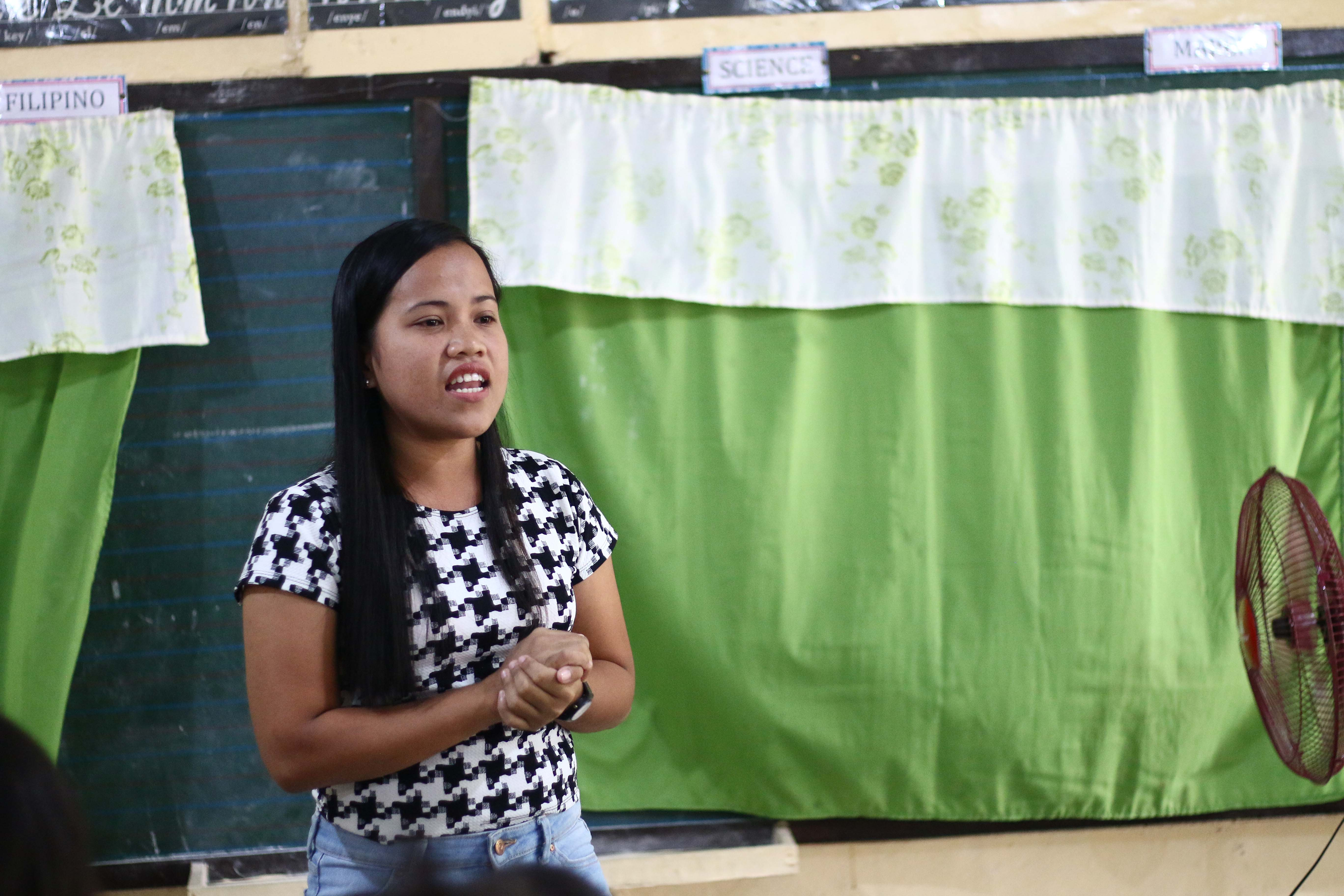 Now Elsa is living her dream teaching children in the Philippines