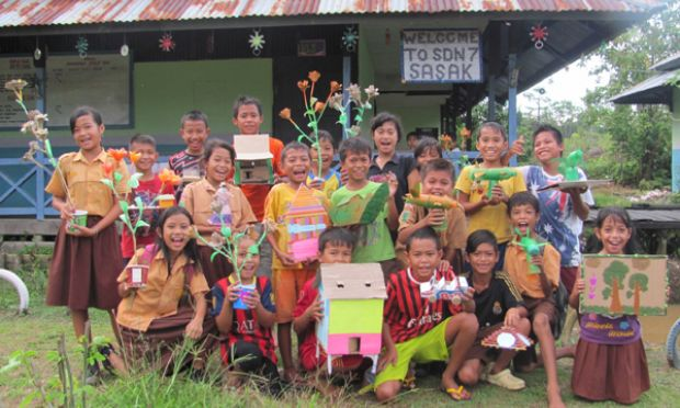 The Joy Of Making Handicrafts From Recycled Goods World Vision