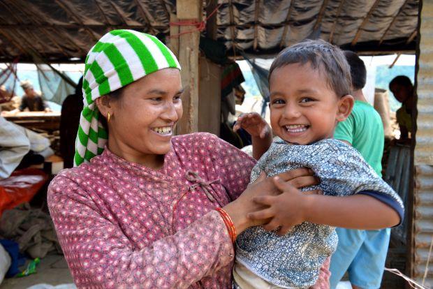 relief distribution in sindhupalchowk nepal world vision international. Black Bedroom Furniture Sets. Home Design Ideas