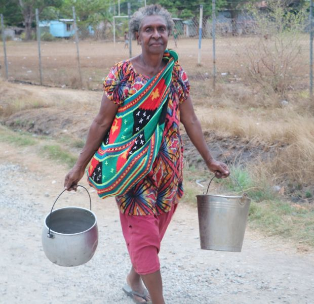 Bringing ripples of ease in accessing water for Louisa and other mothers in Daru (21)