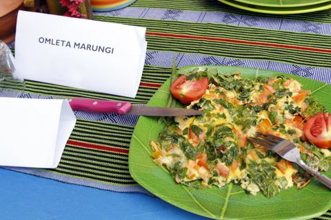 Delicious tomato and moringa omelette