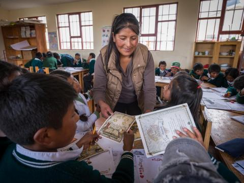 Felisia teaches her class in Bolivia