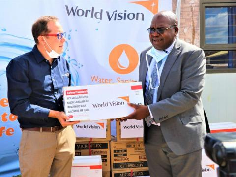 World Vision donates to Zambian government