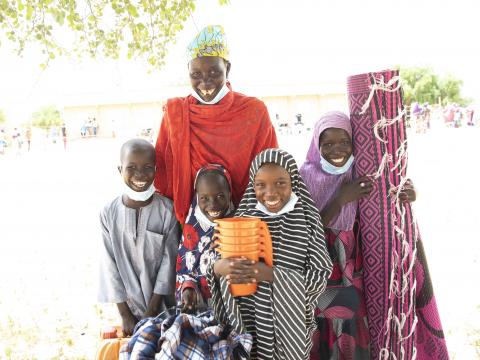 Zeinabou her mother, sisters and brother at the distribution