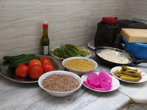 Full shot showing the ingredients needed to make Mujaddara.