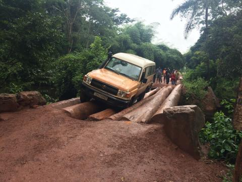 Stranded vehicle in DRC
