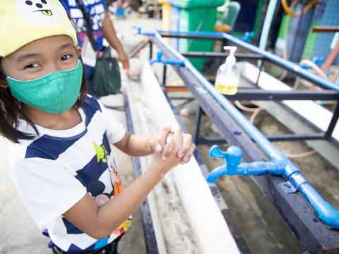 Jovilyn teaches other children proper handwashing amid COVID-19 in Philippines