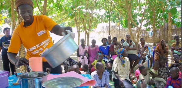 Cooking nutritious food for South Sudan's children